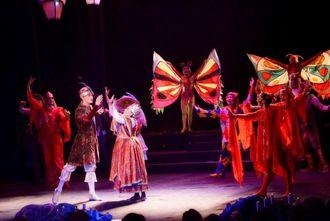 Молодежный театр Узбекистана завершил 87-й сезон новой премьерой спектакля по сказке Андерсена